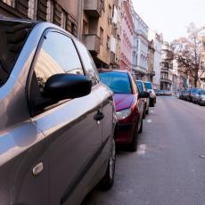 NEMA VIŠE KAZNI NA ŠOFERKAMA: Prekršajni nalozi NEĆE BITI OSTAVLJANI na vozilima, a evo gde će se sve BELEŽITI