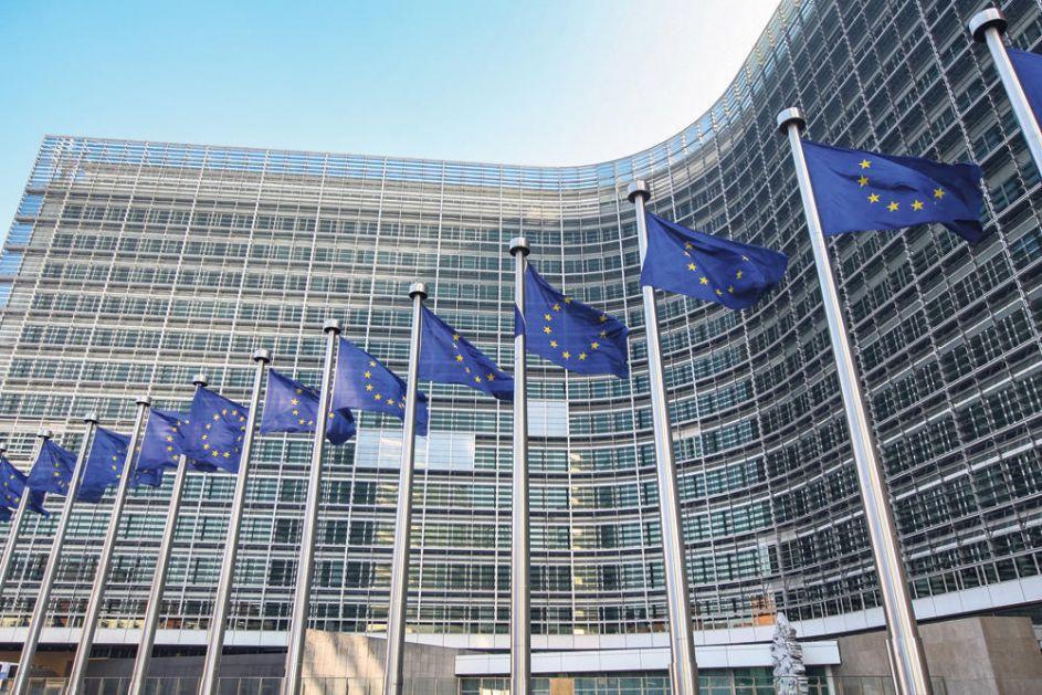 NEMAČKA ŠTAMPA O NAŠOJ DIPLOMATSKOJ POZICIJI: EU smetaju dobri odnosi Srbije sa Istokom i Zapadom