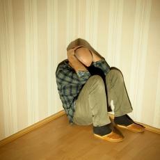 NEMAČKI PSIHIJATAR OTKRIVA: Samoizolacija može dovesti do PSIHIČKIH POREMEĆAJA čak i kod zdravih osoba!