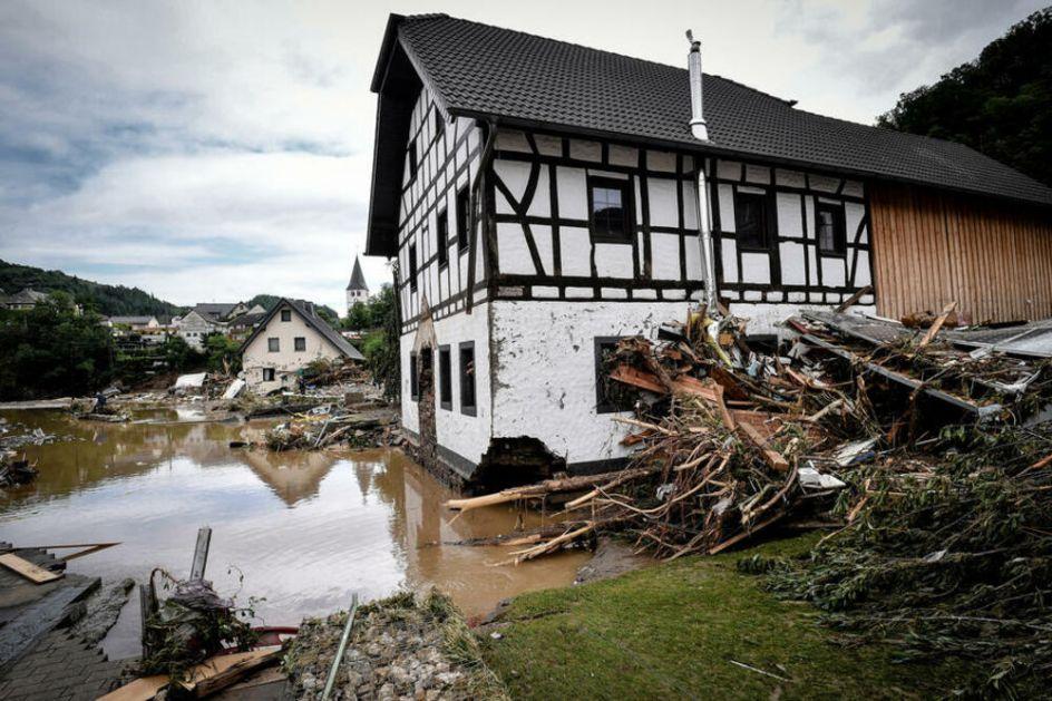 NEMAČKI STRUČNJACI UPOZORAVAJU: Ovakve poplave će biti sve češće, rešenje je u izgradnji kuća kao u SREDNJEM VEKU! VIDEO