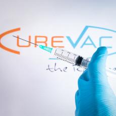 NEMCI OSTAJU BEZ DOMAĆE VAKCINE? Cepivo pokazalo malu efikasnost, a EU naručila stotine miliona doza