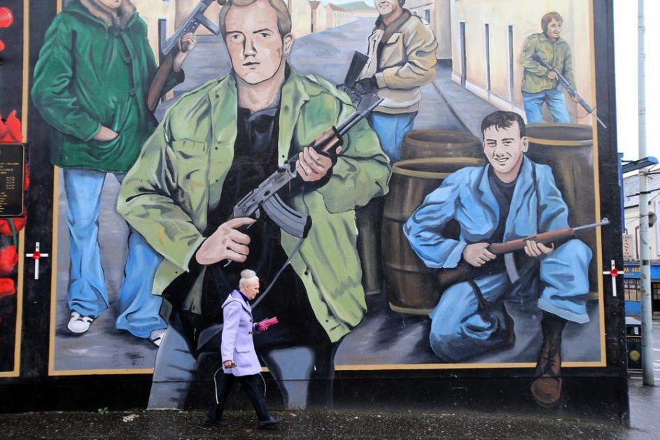NEMIRNA PROŠLOST, KRHKA SADAŠNJOST, NEIZVESNA BUDUĆNOST Sto godina postojanja Severne Irske obeleženo podelama i sukobima