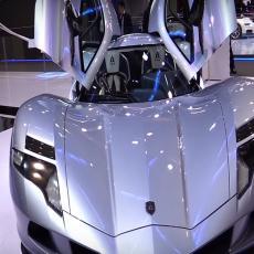 NEMOGUĆE: Električni auto koji ide 402 KMH???