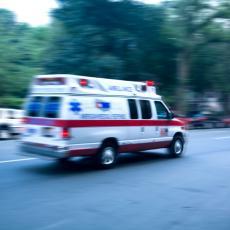 NESREĆA U ŠVAJCARSKOJ: Nemački autobus udario u metalni stub, jedna osoba poginula