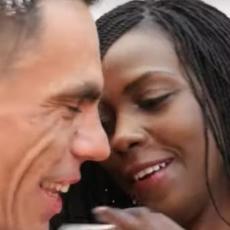 NESVAKIDAŠNJA SVADBA U REPUBLICI SRPSKOJ: Afrikanka zbog ljubavi prema Srbinu došla u Rudo! (VIDEO)