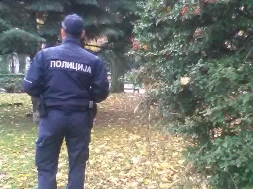 NESVAKIDAŠNJA TRAGEDIJA NA SEOSKOM PUTU: Meštanin sekao bukvu, drvo palo na golf i ubilo komšiju koji je prolazio putem!