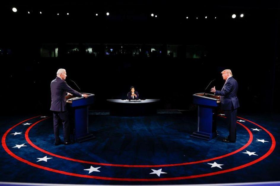 NEUOBIČAJENO GRAĐANSKA DEBATA: Kandidati su jedan drugog manje prekidali, Tramp se fino ponašao, publika poštovala pravila (VIDEO)