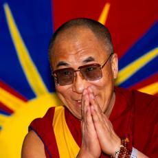 NEVEROVATNA TEORIJA ZAVERE O DALAJ LAMI: Tibetanski vođa se bavio opasnim poslom u korist velike sile? (VIDEO)