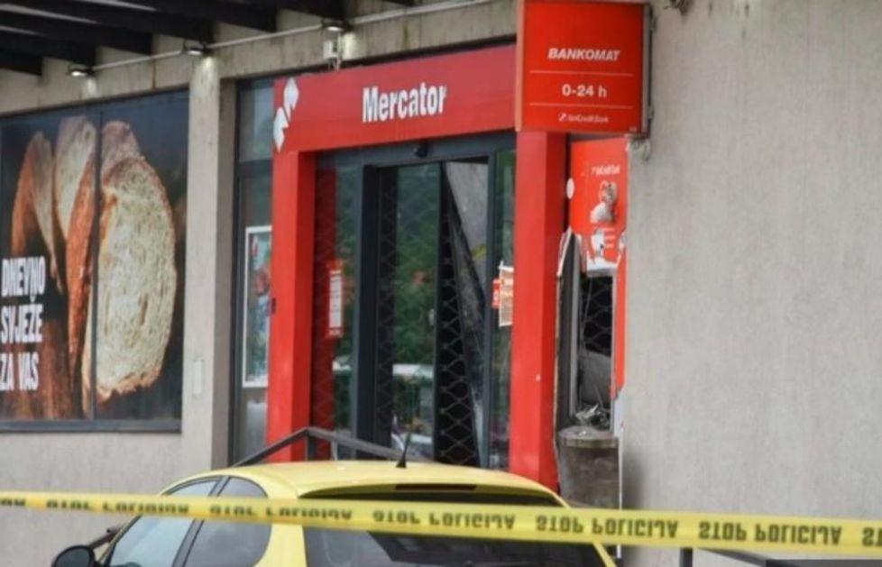 NEVIĐENA PLJAČKA U HADŽIĆIMA! Lopovi razvalili vrata tržnog centra i UNIŠTILI BANKOMAT!