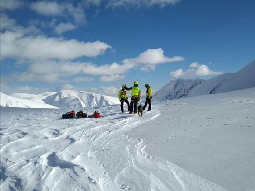 NI TRAGA OD NESTALIH PLANINARA U ITALIJI: Pretražuju oblast koju je zatrpala lavina kada su se četvorica alpinista vozila po snegu