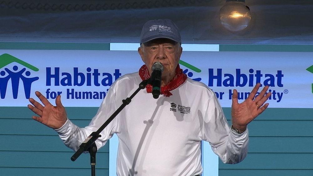 NIJE GOTOVO!!!! NA BELU KUĆU JE POSTAVIO SOLARNNE PANELE ALI IH JE REGAN SKINUO: Džimi Karter danas ...........