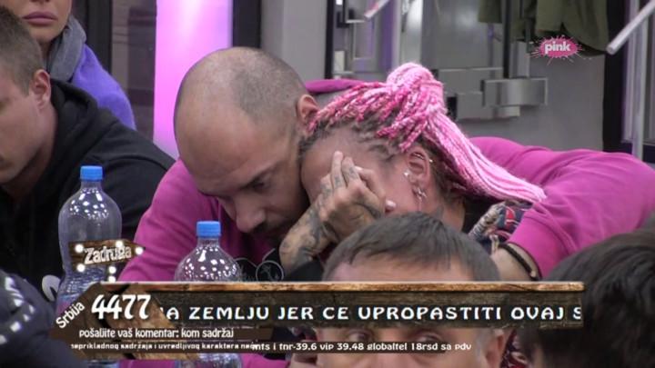 NIJE MOGLA DA DOĐE SEBI! Reči Marije Kulić dirnule Jelenu Krunić u SRCE, pa je pala u zagrljaj Mirka Gavrića i počela da LIJE GORKE SUZE! (VIDEO)