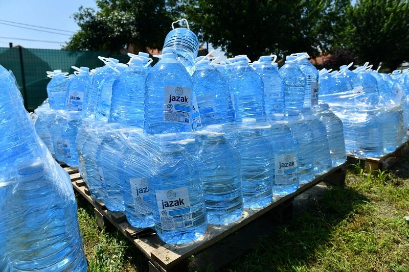 NIS-ova donacija pijaće vode stigla u Ivanjicu i Blace