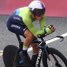 NISU DOBRI SAMO U ZIMSKIM SPORTOVIMA: Roglič olimpijski šampion u vožnji na hronometar