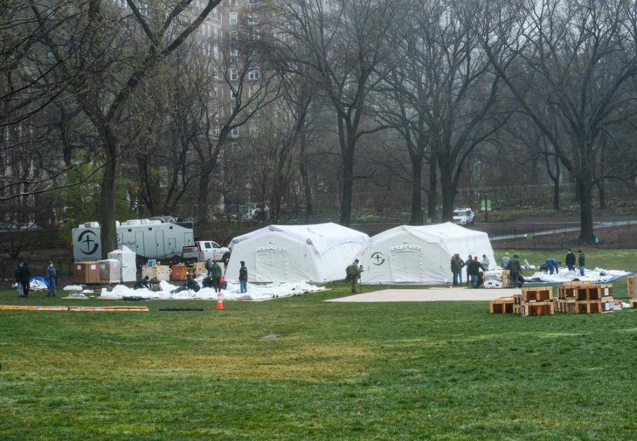 NJUJORK U BORBI PROTIV KORONE: U Central parku postavljena bolnica, imaće 68 kreveta za hitne slučajeve (VIDEO)