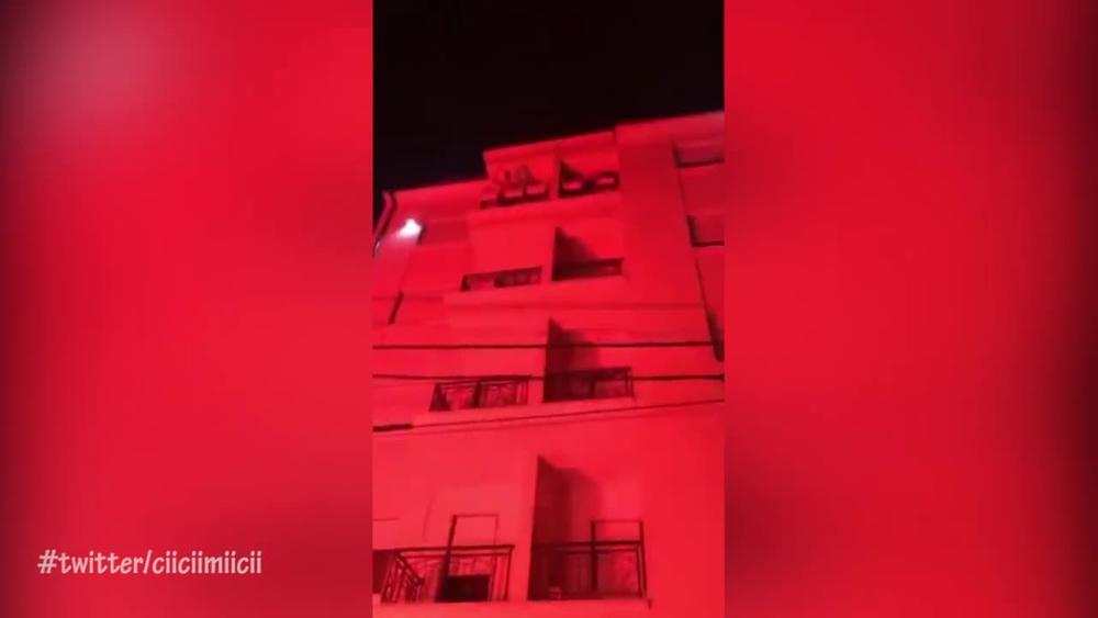 NOĆNA SERENADA ZA PAVKOVA: Delije mu napravile ludnicu pod prozorom, a evo kako je Zvezdin heroj reagovao (VIDEO)