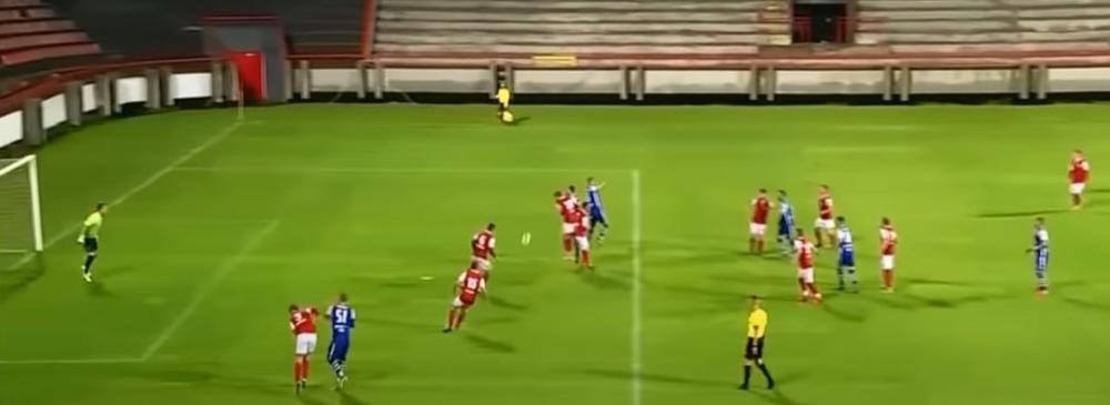 NOKAUT I DIREKTAN CRVENI KARTON: Fudbaler Radničkog udario rivala u lice (VIDEO)