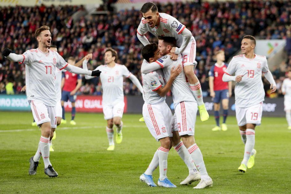 NORVEŽANI BEŽE OD ORLOVA: Skandinavci šokirali Španiju u 92. minutu, Italija overila učešće na EP (VIDEO)