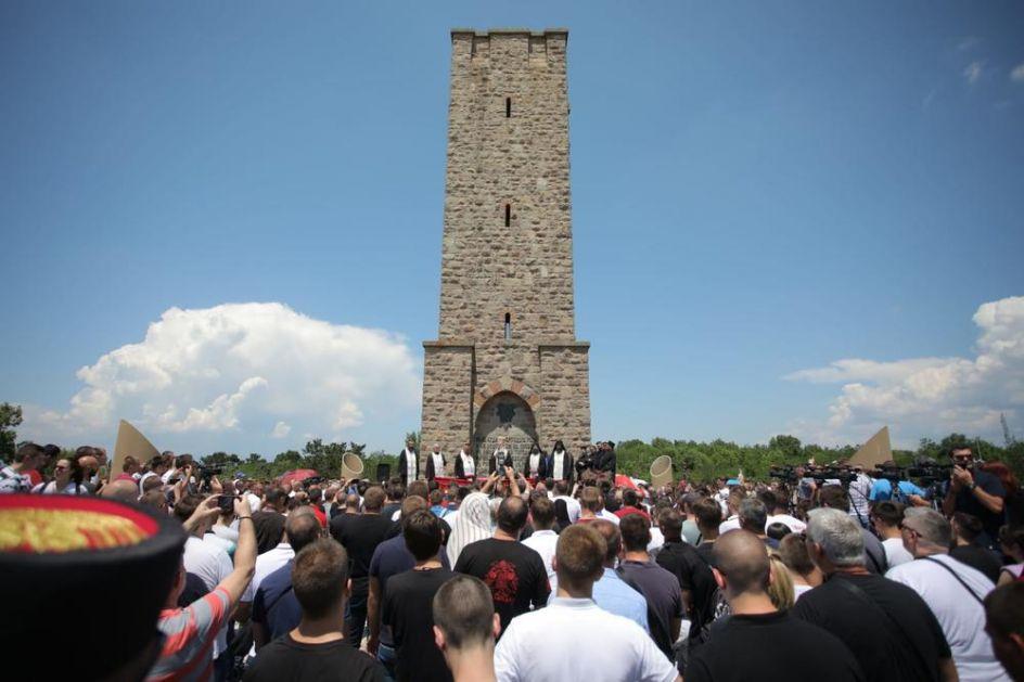 NOVA PROVOKACIJA BEZ PRESEDANA, SULUDA IDEJA ISTORIČARA IZ PRIŠTINE: Ukloniti srpski spomenik na Gazimestanu i staviti naš?!