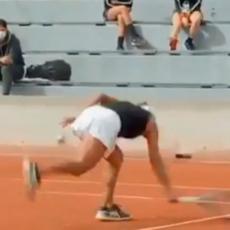 NOVAK NE BI MOGAO DA JOJ PARIRA: Slavna teniserka UNAKAZILA reket! Izliv BESA u Bulonjskoj šumi (VIDEO)