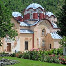 NOVE PROVOKACIJE LAŽNE DRŽAVE: Pećku patrijaršiju proglasili albanskom pravoslavnom crkvom