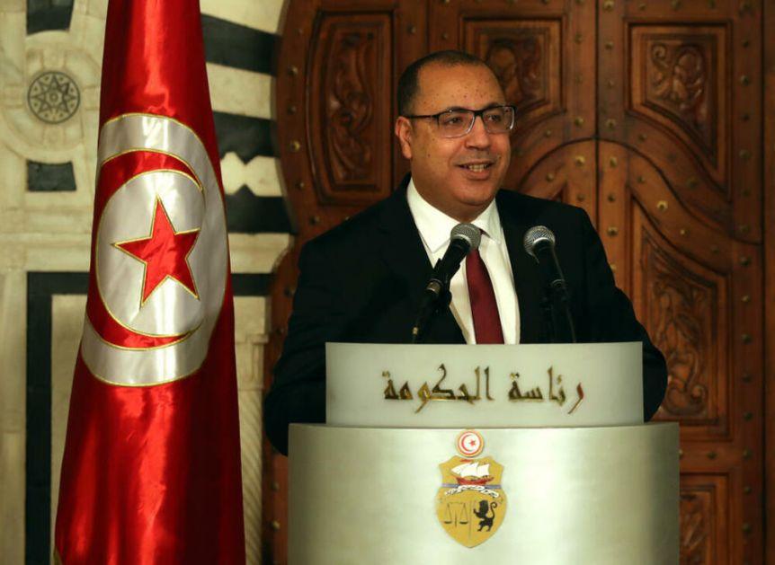 NOVI DETALJI HAOSA U TUNISU: Premijera navodno pretukli u predsedničkoj palati pre što je smenjen?