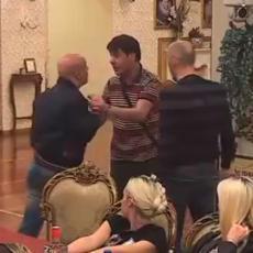 NOVI HAOS: Baki B3 se zaleteo na Ivana, a ovaj ga šutnuo! A Azarić stoji pored i NEĆE da razdvaja (VIDEO)