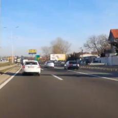 NOVI SLUČAJ BAHATE VOŽNJE U BEOGRADU: Isplivao SNIMAK sumanutog preticanja na autoputu (VIDEO)