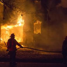 NOVI UDAR NA SRBE POVRATNIKE, porodice u strahu: Zapaljena kuća Draga Konića u centru Kline!