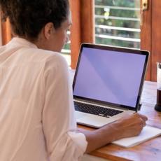 NOVO ISTRAŽIVANJE POKAZALO: Rad od kuće se ne ceni dovoljno, ljudi dobijaju manje povišica!
