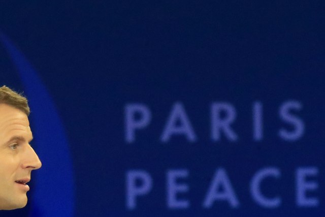 NZZ: Makron je Moskvi dao poklon u ruke