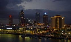 Na Floridi se tokom noći urušila višespratnica, više povredjenih (VIDEO)