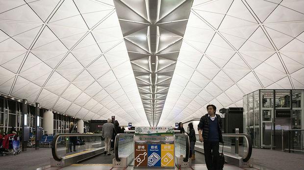 Na aerodromu u Hongkongu ponovo uspostavljen saobraćaj