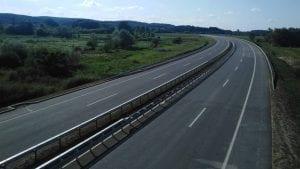 Na auto-put se srušio deo mosta kod Jagodine