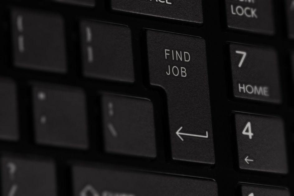 Na birou i 20 doktora nauka: Posao najduže čekaju pedagozi i profesori fizičkog