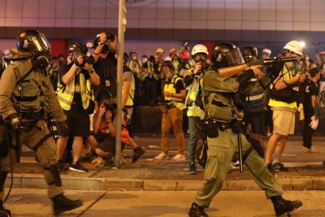 Na novim protestima u Hongkongu zatražena istraga policijske taktike