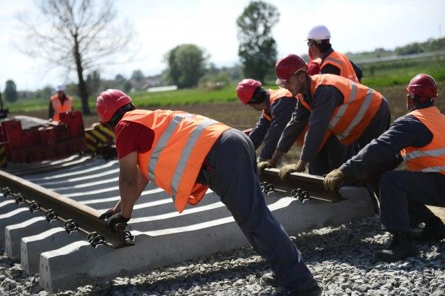 Na ovoj deonici vozovi su se kretali 10km/h: Počela zamena pružnih pragova