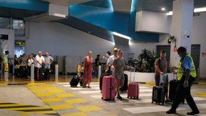 Na povratak u Srbiju čekaju u 65 zemalja