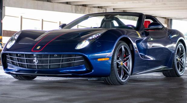 Na prodaju jedan od samo deset Ferrarija F60 America