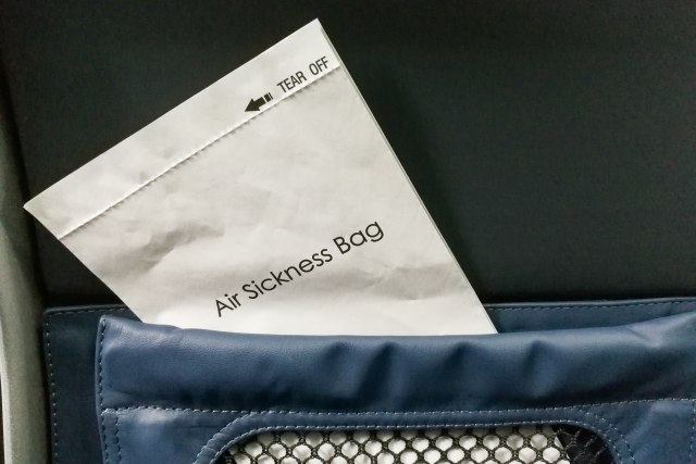 Na prodaju šoljice, escajg i 24.000 kesa za disanje propale avio-kompanije