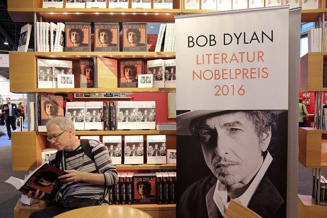 Na promociji knjige Boba Dilana: Tada su ga svi proglasili izdajnikom, ali on je ostao pri svome