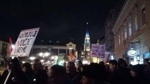 Na protestu u Novom Sadu 15. februara govore Jelena Kleut, Slavko Vukov i penzioner Mile Delić
