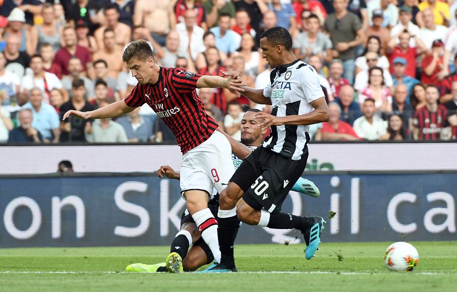 Najava nove teške sezone - poraz Milana u Udinama!