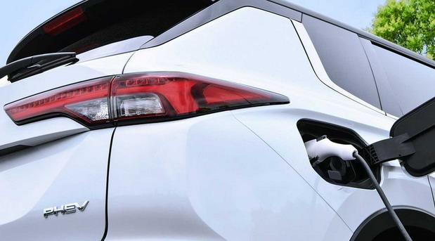 Najavljen novi Mitsubishi Outlander PHEV
