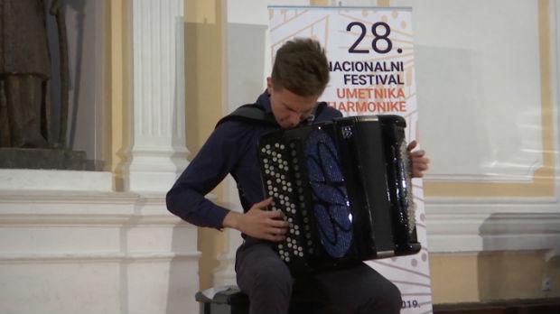 Najbolji umetnici na harmonici u Kragujevcu