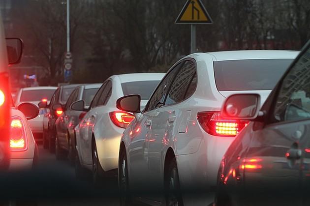 Najčešći prekršaj u Novom Sadu nepropisno parkiranje u desnoj kolovoznoj traci