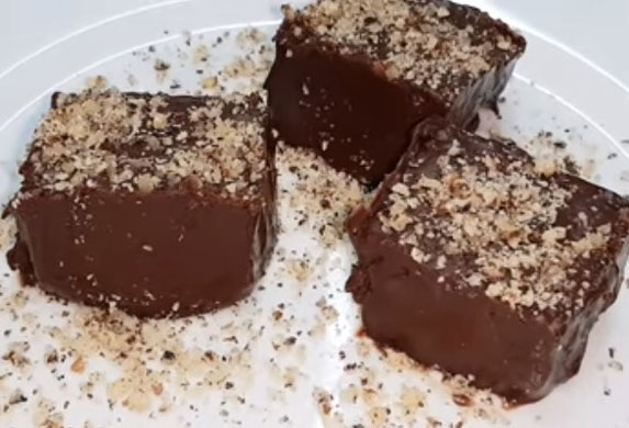 Najčokoladniji kolač na svetu od samo dva sastojka! (VIDEO RECEPT)