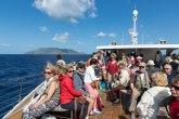 Najezda turista: Luke ovih ostrva krcate uprkos zabrani okupljanja
