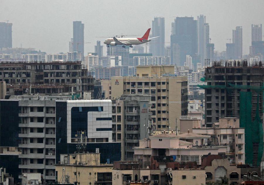 Najmanje 18 poginulih, 100 povređenih u avionskoj nesreći