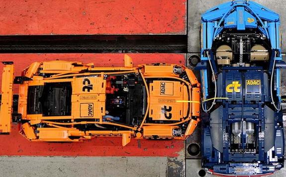 Najneobičniji crash test: Lego Porsche 911 GT3 RS protiv Bugatti Chirona